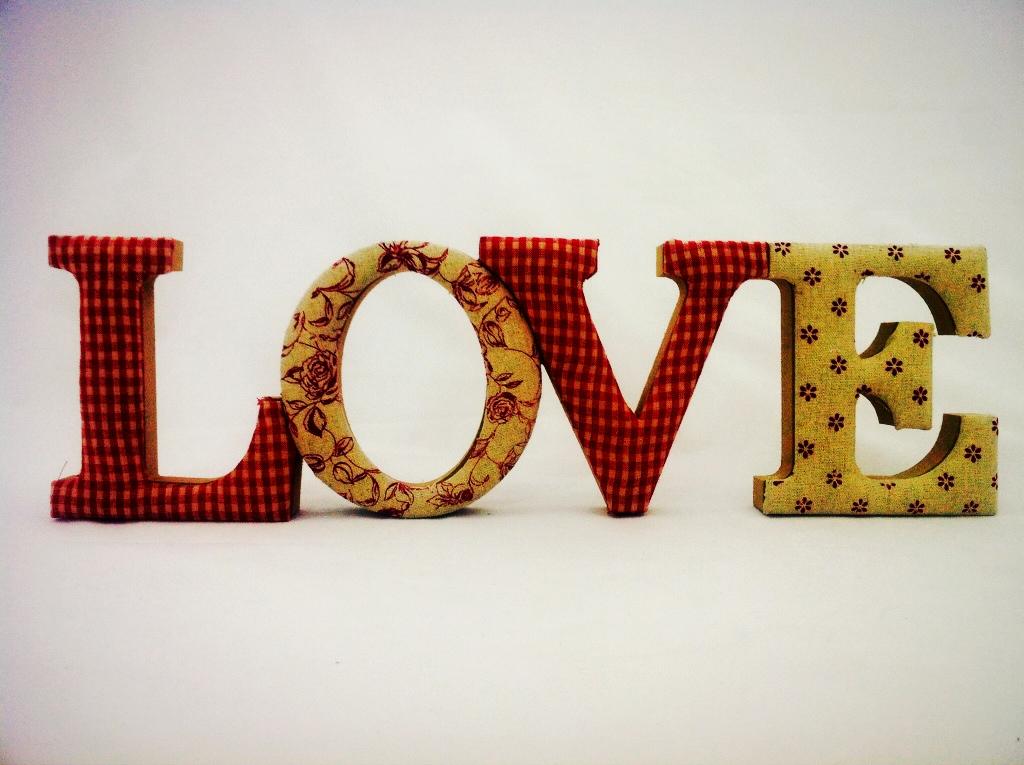 Palabra love madera textil mira y decora - Mira y decora ...